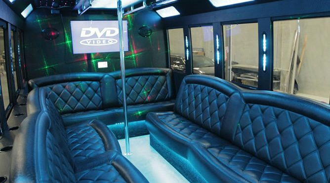 Vacaville 20 Passenger Party Bus