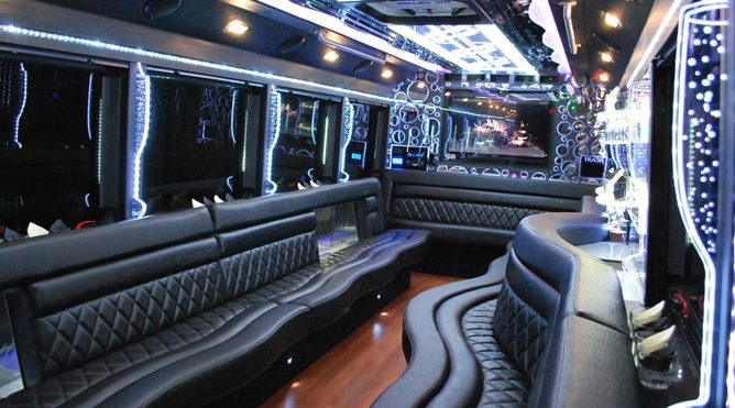 vacaville 28 passenger party bus